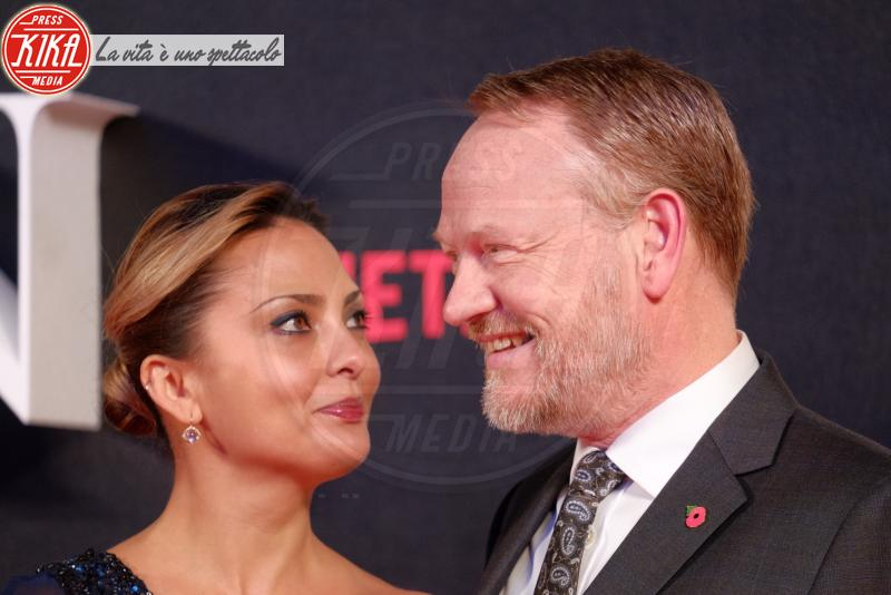 Jared Harris, Allegra Riggio - Londra - 01-11-2016 - The Crown, la Regina Elisabetta II come non l'avete mai vista