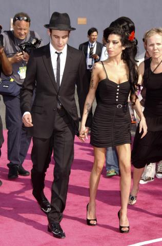 Blake Fielder Civil, Amy Winehouse - Universal City - 03-06-2007 - Blake Fielder-Civil offre soldi per picchiare Pete Doherthy