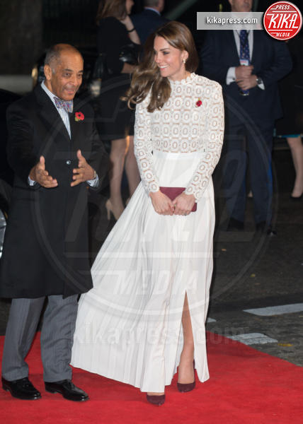 Kate Middleton - Londra - 03-11-2016 - Kate Middleton osa sul red carpet di A Street Cat Named Bob