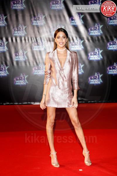 Martina Stoessel - Cannes - 12-11-2016 - Blake Lively: pantaloni? No grazie, sotto la giacca... niente!