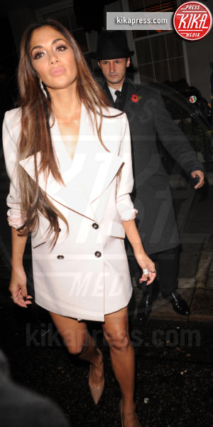 Nicole Scherzinger - Londra - 12-11-2016 - Blake Lively: pantaloni? No grazie, sotto la giacca... niente!