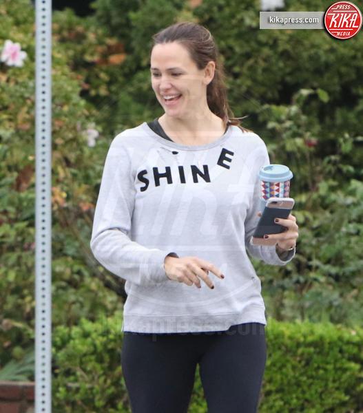 Jennifer Garner - Santa Monica - 15-11-2016 - Altro che social, per comunicare si usano le magliette!