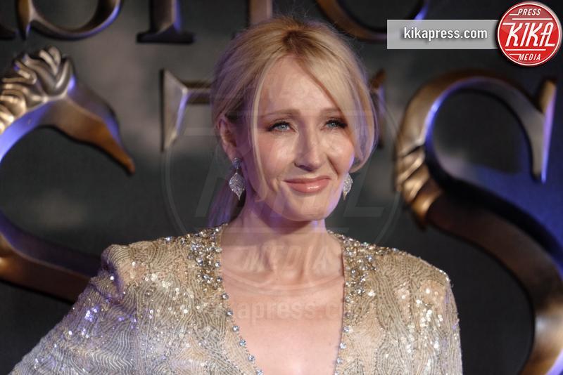 J.K. Rowling - Londra - 15-11-2016 - Harry Potter, J.K. Rowling denuncia l'ex assistente: ecco perché