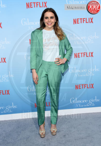 Mae Whitman - Westwood - 18-11-2016 - Lauren Graham e Alexis Bledel sono di nuovo le Gilmore Girls!