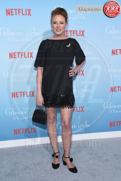 Virginia Madsen - Westwood - 18-11-2016 - Lauren Graham e Alexis Bledel sono di nuovo le Gilmore Girls!