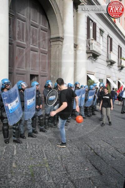 Manifestazione Napoli - Napoli - 18-11-2016 - Renzi contestato a Napoli dai manifestanti