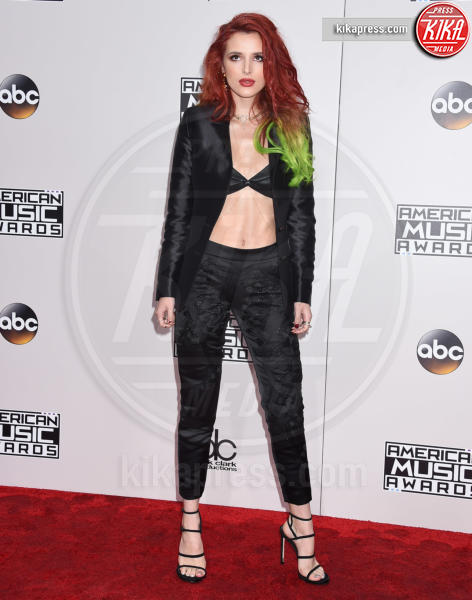 Bella Thorne - Los Angeles - 20-11-2016 - American Music Awards: Chrissy Teigen in versione super-osè