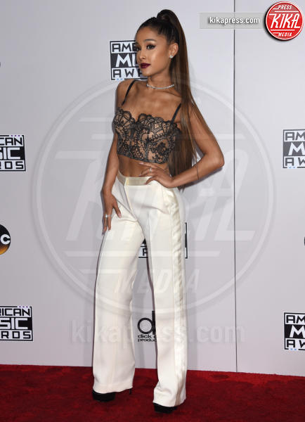 Ariana Grande - Los Angeles - 20-11-2016 - American Music Awards: Chrissy Teigen in versione super-osè