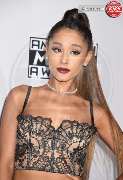 Ariana Grande - Los Angeles - 20-11-2016 - Ariana Grande cancella un altro concerto, angoscia tra i fan
