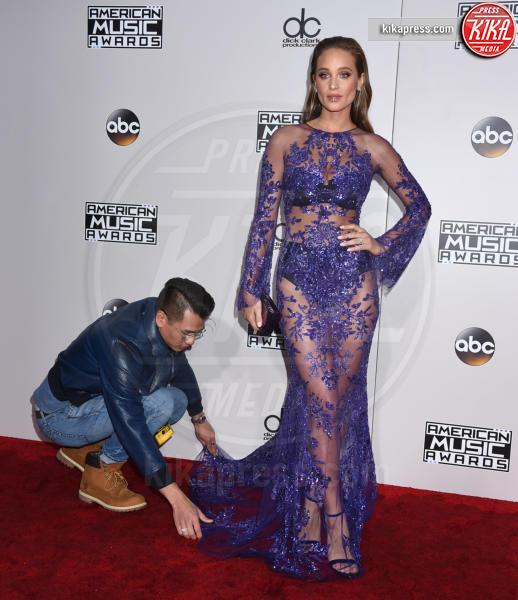 Hannah Davis - Los Angeles - 20-11-2016 - American Music Awards: Chrissy Teigen in versione super-osè