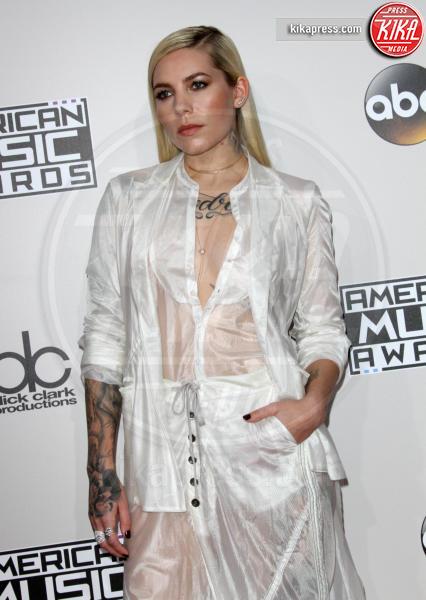 Skylar Grey - Los Angeles - 20-11-2016 - American Music Awards: Chrissy Teigen in versione super-osè