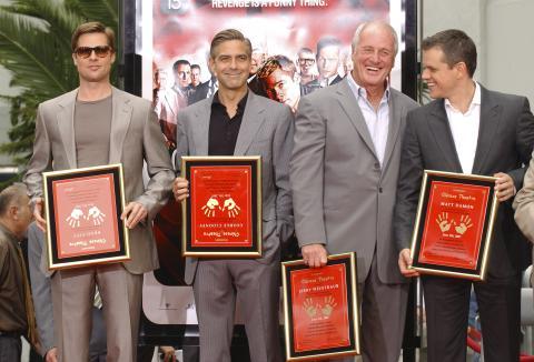 """Jerry Weintraub, Matt Damon, Brad Pitt, George Clooney - Hollywood - 05-06-2007 - Matt Damon: """"Vorrei essere come Brad Pitt"""""""