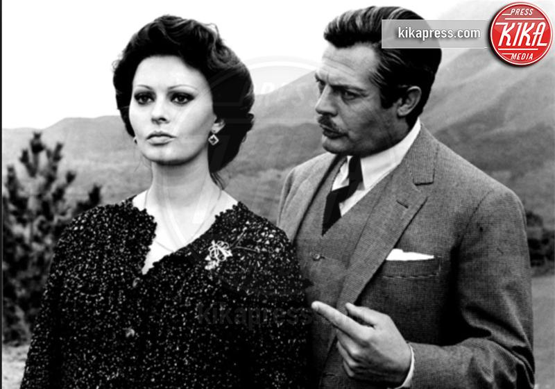 Marcello Mastroianni, Sophia Loren - Milano - 25-11-2016 - Coppie famose: innamorati sul set. E nella vita?