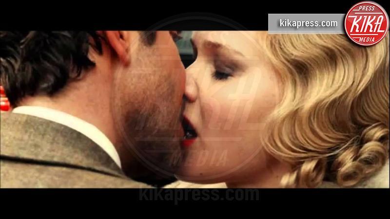 Jennifer Lawrence, Bradley Cooper - Milano - 25-11-2016 - Coppie famose: innamorati sul set. E nella vita?