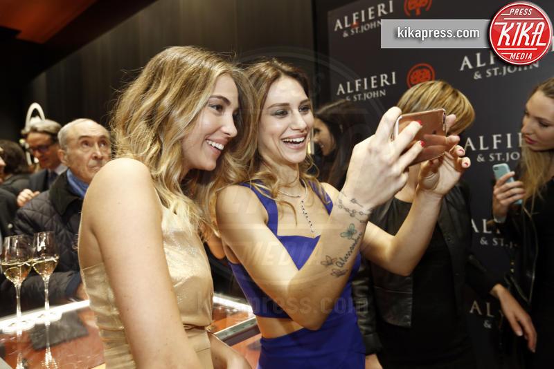 Alice Campello, Beatrice Valli - Milano - 01-12-2016 - Alfieri & St. John: le stelle sono Cecilia e mamma Rodriguez