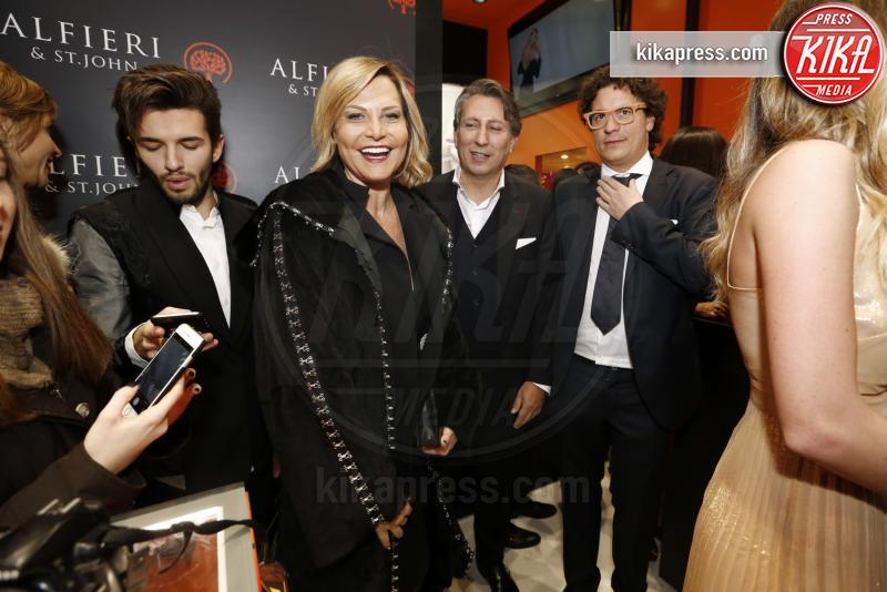 Simona Ventura - Milano - 01-12-2016 - Alfieri & St. John: le stelle sono Cecilia e mamma Rodriguez