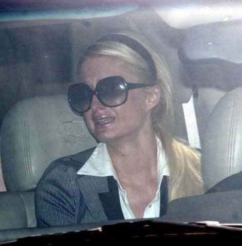 Paris Hilton - Hollywood - 08-06-2007 - Paris Hilton arriva in manette al tribunale