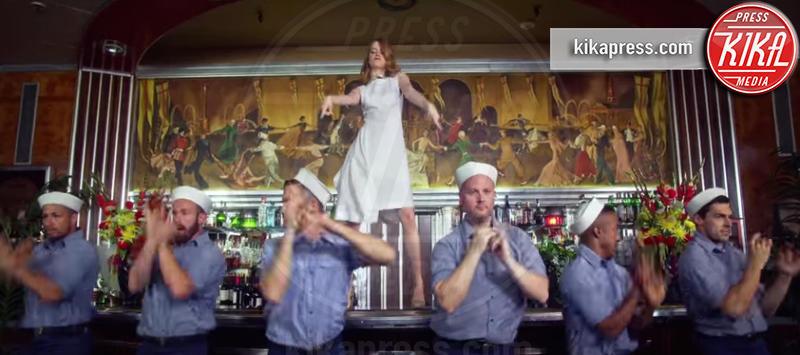 Emma Stone - Los Angeles - 05-12-2016 - I divi che non sapevate avessero fatto cameo nei video musicali