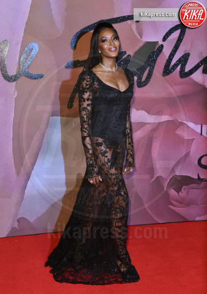 Naomi Campbell - Londra - 05-12-2016 - Le star che sanno osare: sensualità over 50 sul red carpet