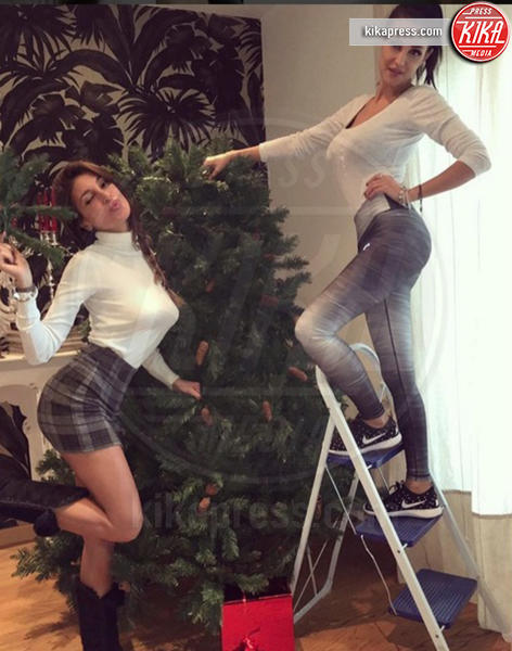 Donatella Buccino, Cristina Buccino - Milano - 06-12-2016 - Natale 2016: le star che hanno già preparato l'albero