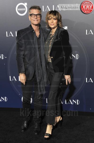 Harry Hamlin, Lisa Rinna - Hollywood - 06-12-2016 - Emma Stone, un angelo azzurro alla première di La La Land