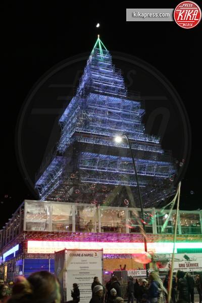 Nalbero, Albero di Natale - Napoli - 07-12-2016 - Napoli, presepe di ghiaccio e albero di Natale: le foto