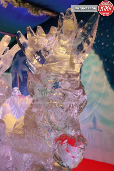 Presepe - Napoli - 07-12-2016 - Napoli, presepe di ghiaccio e albero di Natale: le foto