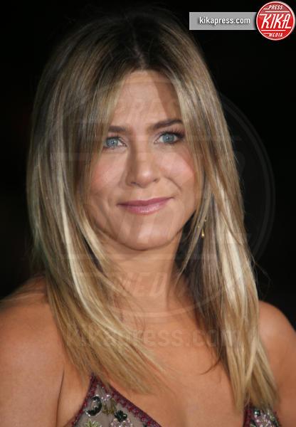 Jennifer Aniston - Westwood - 08-12-2016 - Incubo stalker: Fabio Quagliarella esce dal tunnel