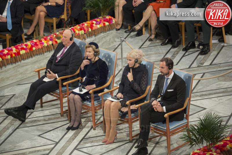 Principe Haakon Magnus di Norvegia, Mette-Marit di Norvegia, Re Harald di Norvegia, Regina Sonja di Norvegia - Oslo - 10-12-2016 - Nobel, a Stoccolma Patti Smith in rappresentanza di Bob Dylan