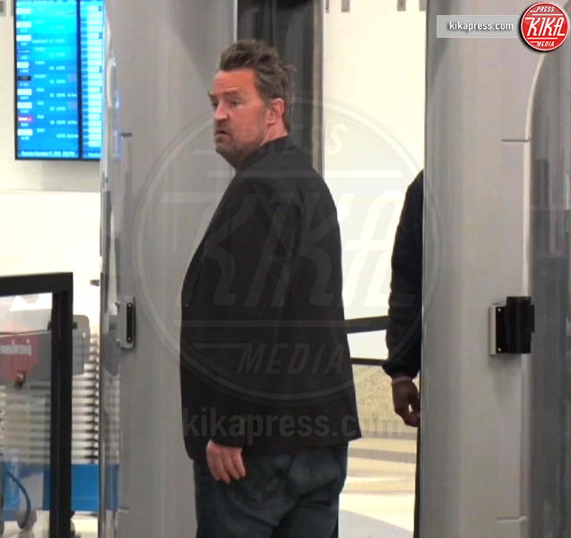 Matthew Perry - LAX - 17-12-2016 - Paura per Matthew Perry: l'ex star di Friends è in ospedale