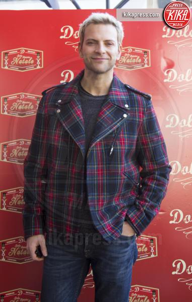 Alessandro Borghi - Roma - 23-12-2016 - Alessandro Borghi, il Dolce cameriere per i bambini di Roma