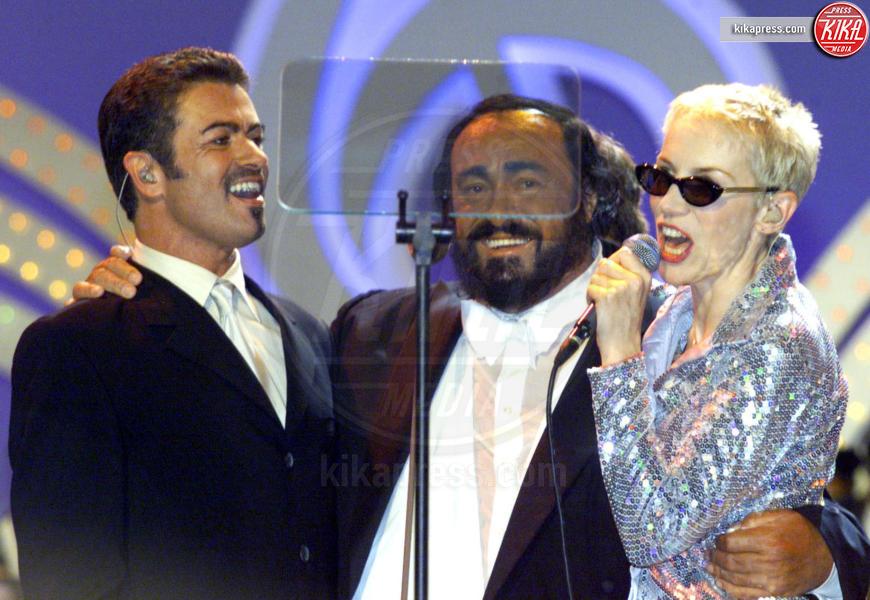 Pavarotti, George Michael, Annie Lennox - Modena - 06-06-2000 - George Michael: la fotostoria di un talento purissimo