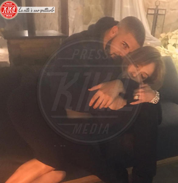 Drake, Jennifer Lopez - Hollywood - 28-12-2016 - Rihanna: epica reazione al selfie di Drake e J-Lo