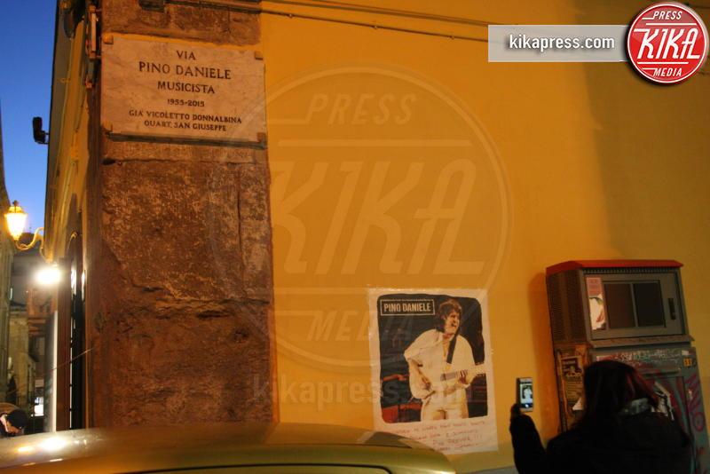 Via Pino Daniele, Pino Daniele, Targa - Napoli - 04-01-2017 - Pino Daniele, Napoli lo ricorda a due anni dalla scomparsa