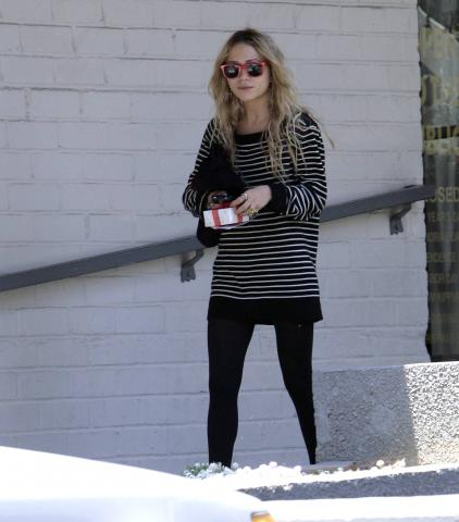 Mary-Kate Olsen - Beverly Hills - Mary Kate Olsen ricoverata in ospedale