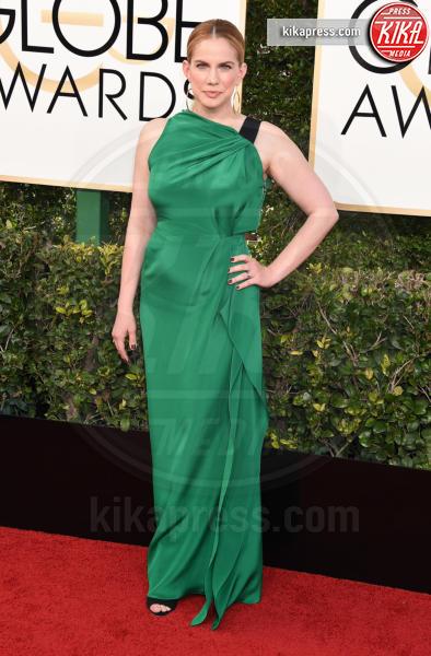 Anna Chlumsky - Beverly Hills - 08-01-2017 - Volete essere trendy? Allora dovete essere Verde Greenery!
