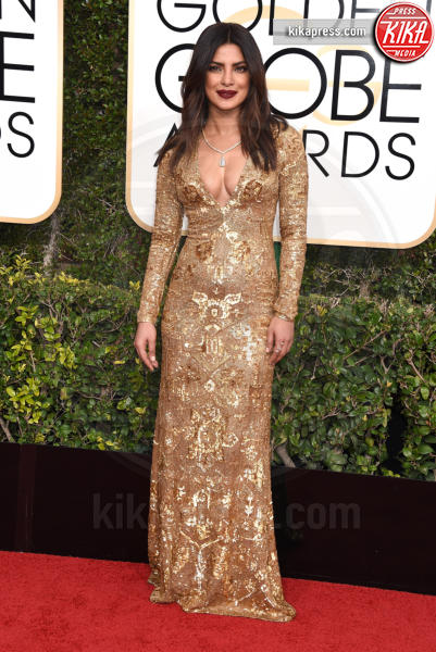 Priyanka Chopra - Beverly Hills - 08-01-2017 - Golden Globe 2017: il red carpet va preso di petto