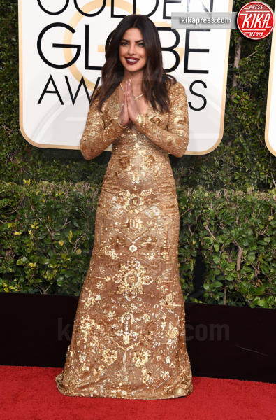 Priyanka Chopra - Beverly Hills - 08-01-2017 - Golden Globe 2017: gli arrivi sul red carpet