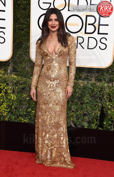 Priyanka Chopra - Beverly Hills - 08-01-2017 - Le icone di stile del 2017? People le ha scelte: sono loro!