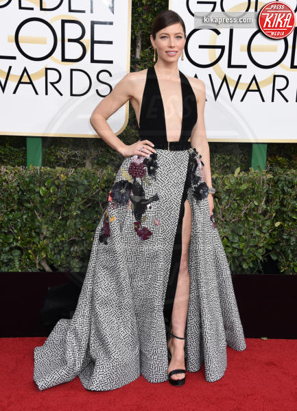 Jessica Biel - Beverly Hills - 08-01-2017 - Golden Globe 2017: gli arrivi sul red carpet