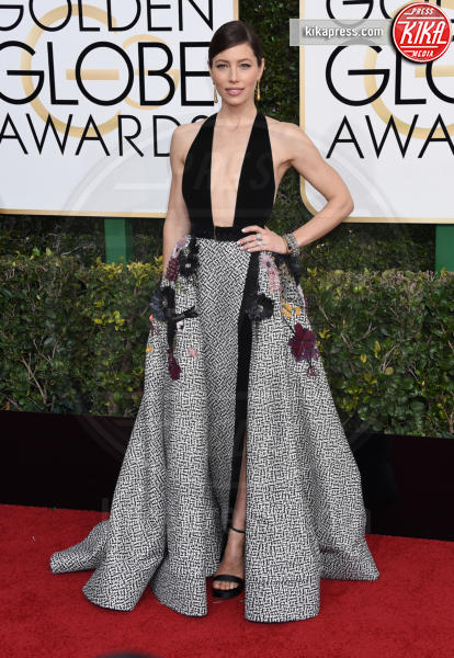 Jessica Biel - Beverly Hills - 08-01-2017 - Golden Globe 2017: il red carpet va preso di petto