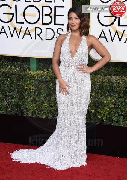 Gina Rodriguez - Beverly Hills - 08-01-2017 - Golden Globe 2017: il red carpet va preso di petto