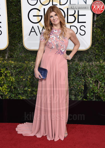 Connie Britton - Beverly Hills - 08-01-2017 - Golden Globe 2017: gli arrivi sul red carpet