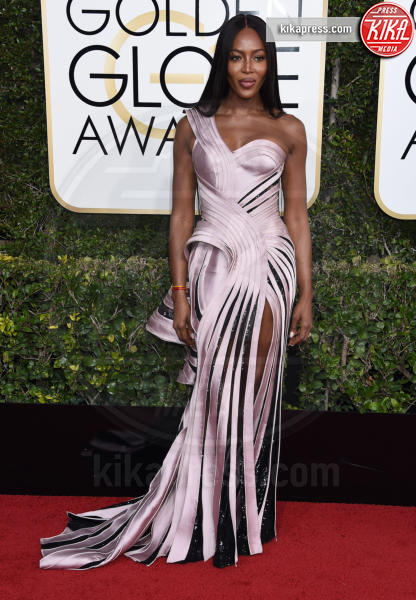 Naomi Campbell - Beverly Hills - 08-01-2017 - Golden Globe 2017: il red carpet va preso di petto