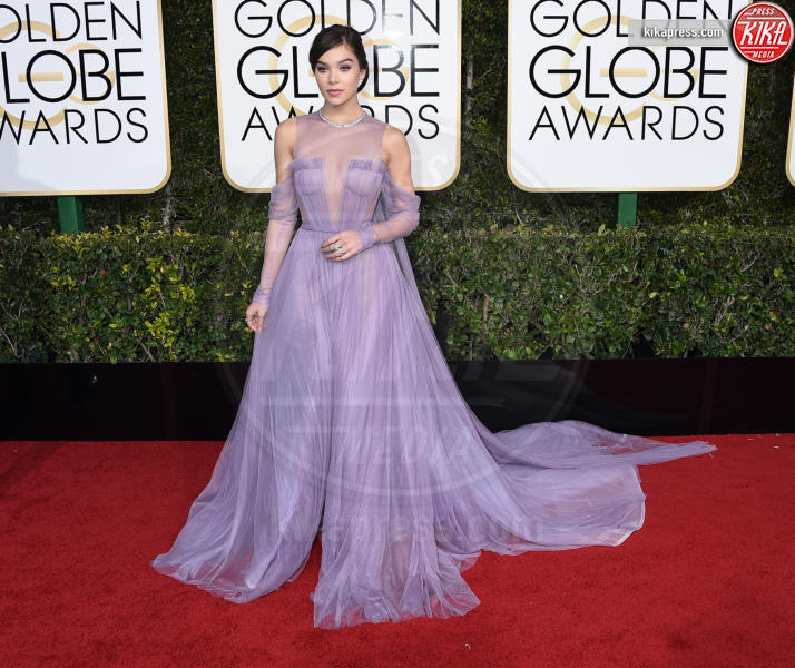 Hailee Steinfeld - Beverly Hills - 08-01-2017 - Golden Globe 2017: gli arrivi sul red carpet