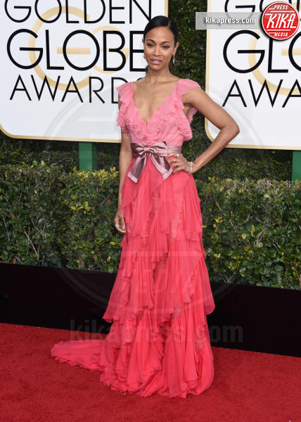Zoe Saldana - Beverly Hills - 08-01-2017 - Golden Globe 2017: il red carpet va preso di petto