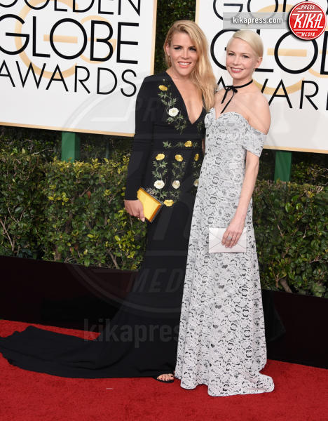 Busy Philipps, Michelle Williams - Beverly Hills - 08-01-2017 - Golden Globe 2017: gli arrivi sul red carpet