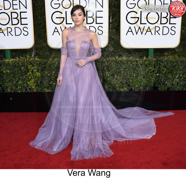 Hailee Steinfeld - Beverly Hills - 08-01-2017 - Golden Globe 2017: tripudio di colori sul red carpet!