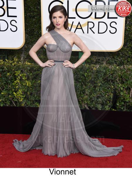 Anna Kendrick - Beverly Hills - 08-01-2017 - Golden Globe 2017: tripudio di colori sul red carpet!