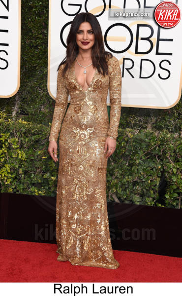 Priyanka Chopra - Beverly Hills - 08-01-2017 - Golden Globe 2017: tripudio di colori sul red carpet!